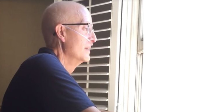 School Administration Sends Students To Visit Cancer Stricken Teacher
